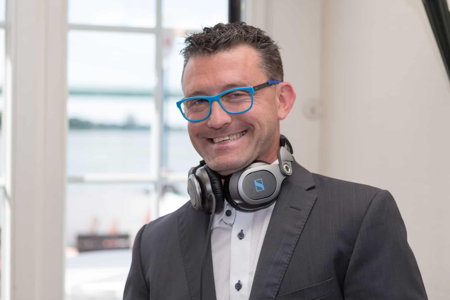 Michael G. Booking Dj – erfahrener DJ für Hochzeiten und Events in Hürth, Köln, Kerpen, Frechen